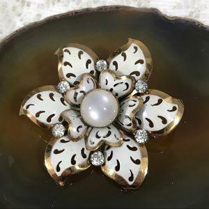 Vintage Coro White Gold Flower Brooch